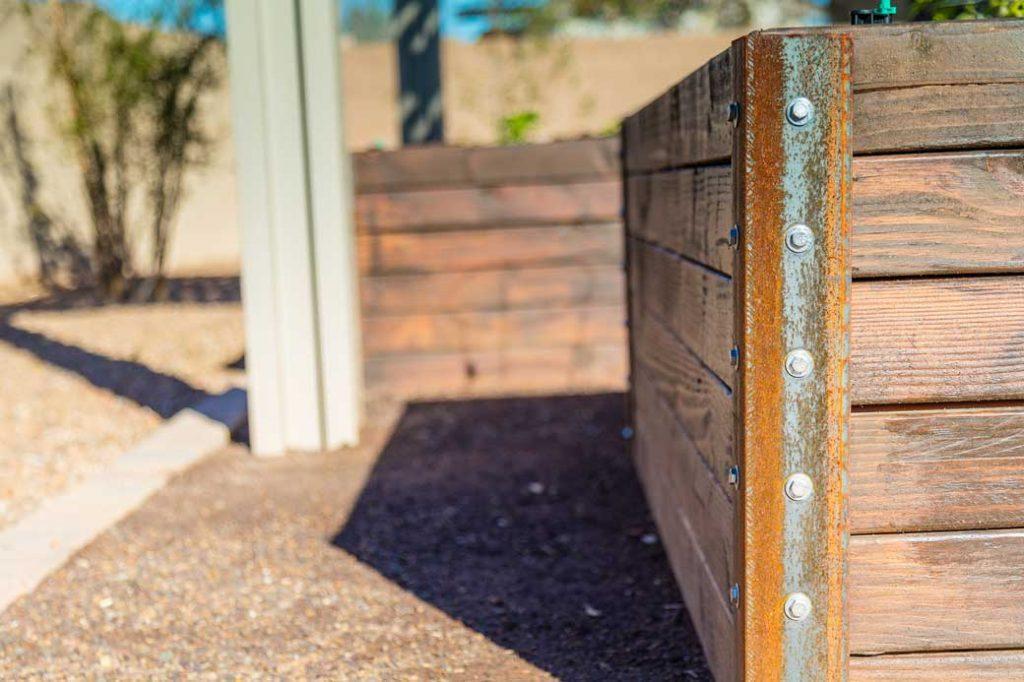 52-Garden-Box-Corner